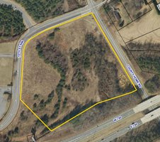 8 acres for sale on 10th St in Conover